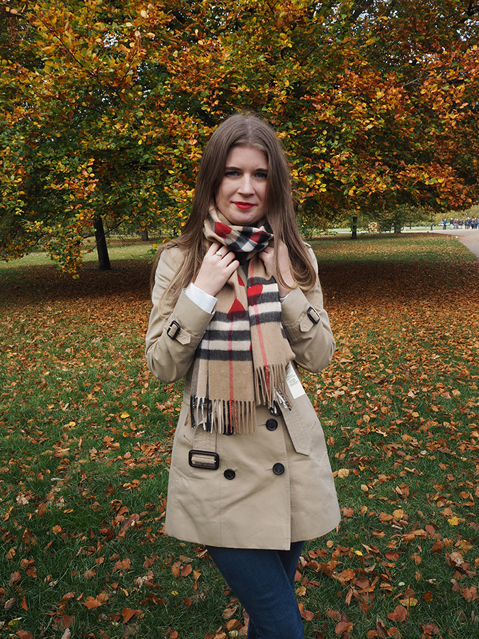 burberry heart scarf fashion bloggers