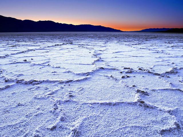 Atração Salina no Parque Nacional do Vale da Morte na Califórnia