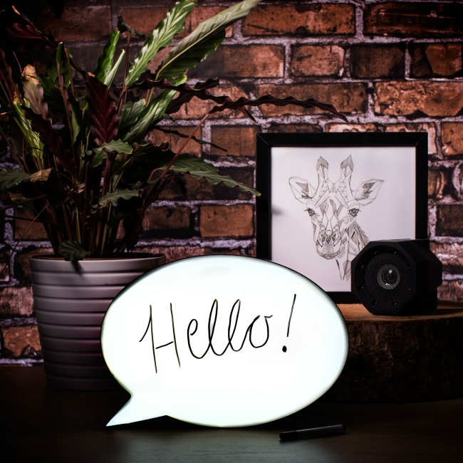 Speech Bubble Light Box. Unique Christmas Gifts Under £30 for men, women, teenagers, tweens, boys, girls, kids.