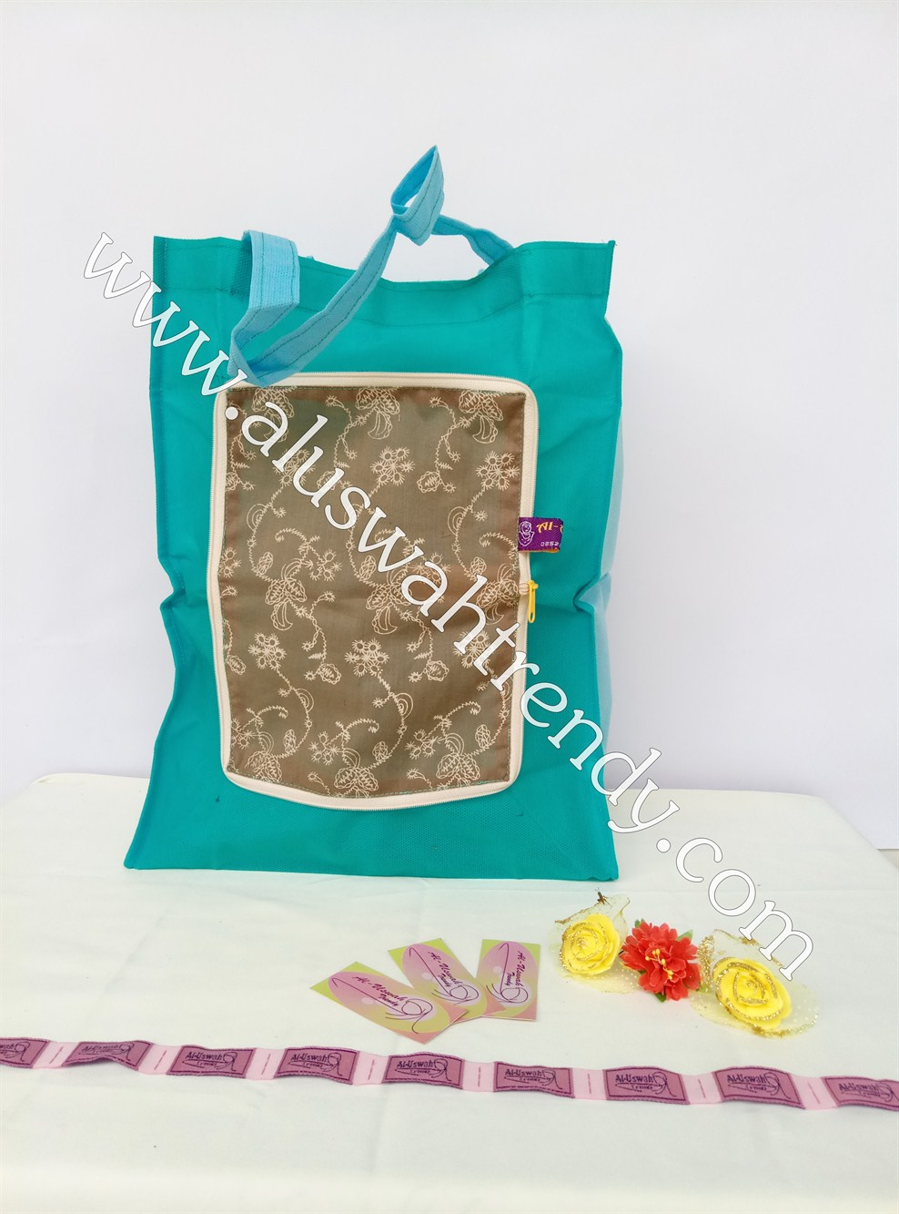 Tas Belanja Lipat Biru Tosca Motif Batik 04