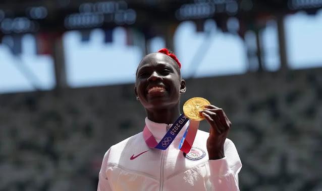 """Atleta americana dedica seu ouro a Deus nas Olimpíadas: """"Ele assumiu essa batalha"""""""