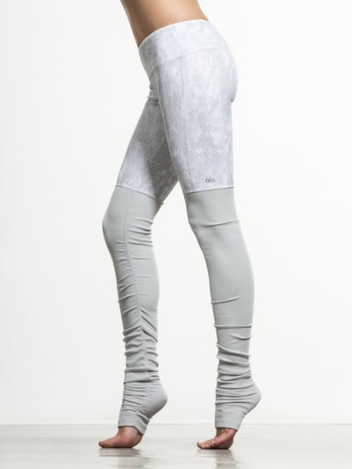3739f7be8e ... Yoga leggings. I was curious about these after seeing them on Carbon38,  but I found them for much cheaper on Amazon. I'll have links for you at the  end ...