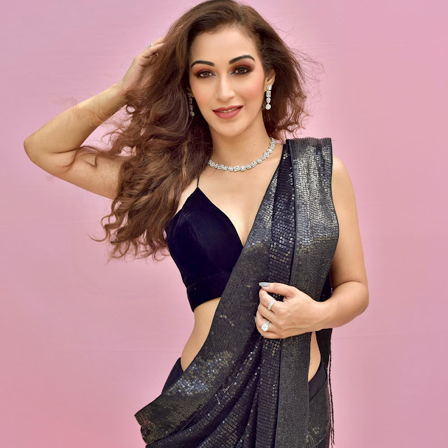 Sunayana Fozdar Very Hot in Black Saree Stills Actress Trend