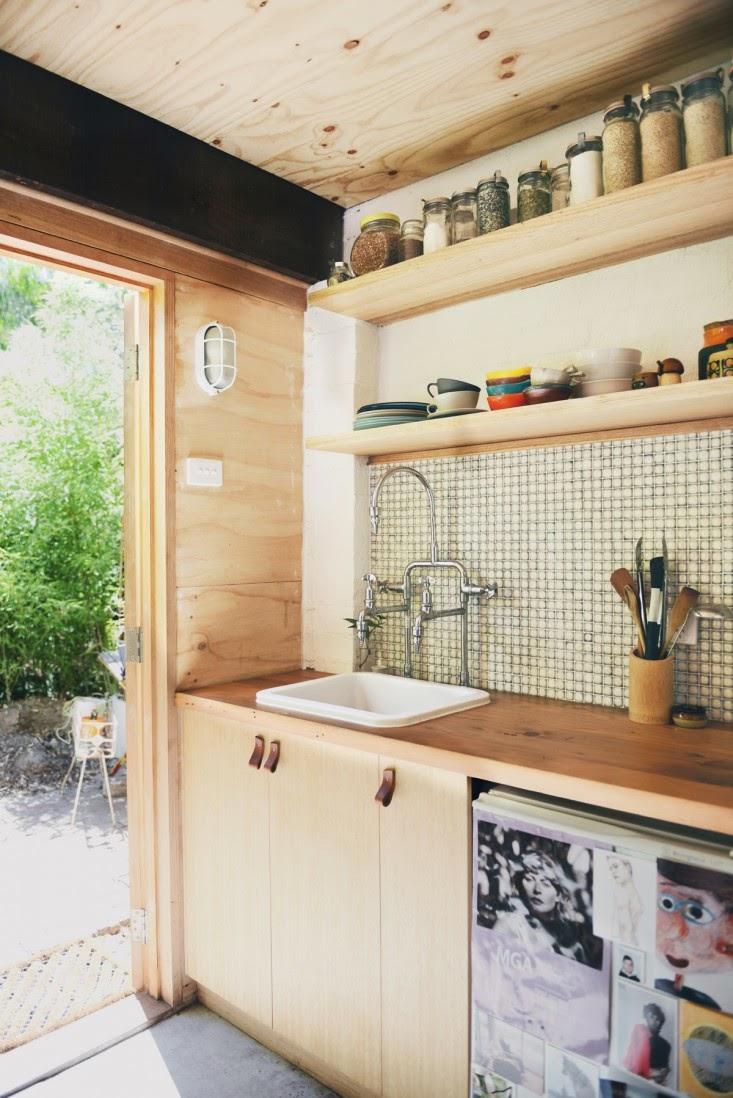 ma maison au naturel un garage transform en studio. Black Bedroom Furniture Sets. Home Design Ideas