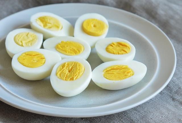 اكل كام بيضة في اليوم عشرين ولا ثلاثين لبناء العضلات ؟