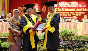 Jusuf Kalla Dianugerahi Doktor Honoris Causa oleh UNP