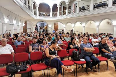 Com o Sismmar proibido de usar o plenário da Câmara, a assembleia desta sexta (13) e as anteriores da campanha salarial foram realizadas no Auditório Luzamor