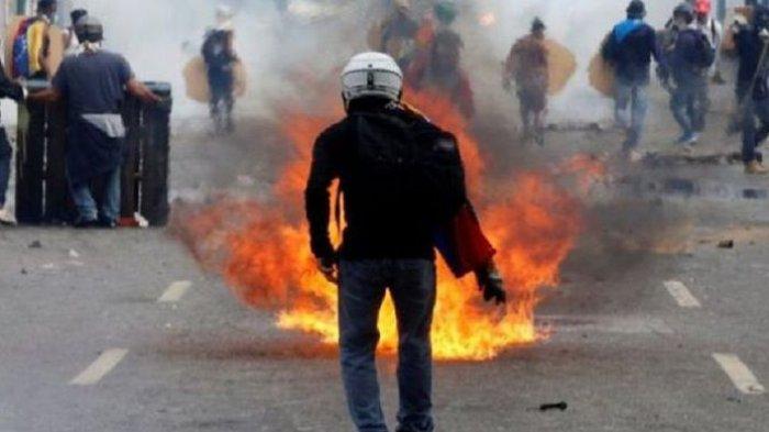 Kerusuhan Kembali Pecah Di Venezuela