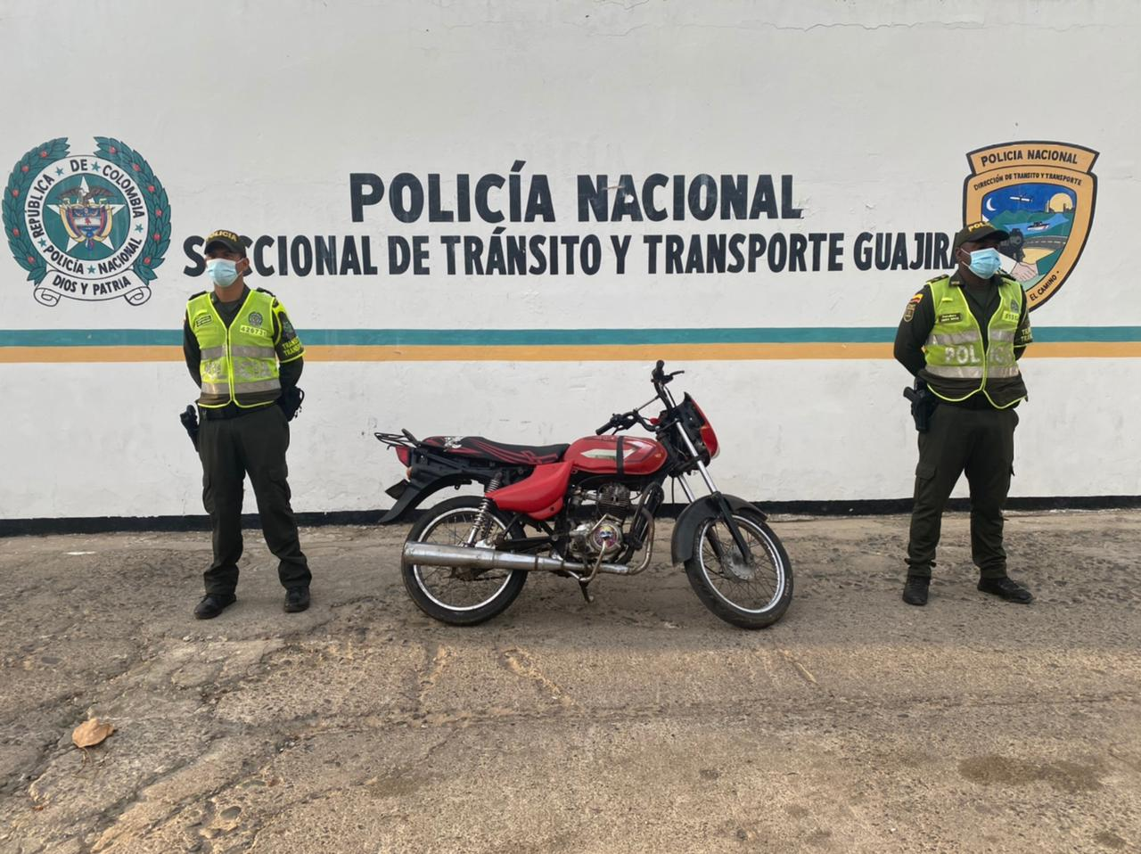 https://www.notasrosas.com/Setra Guajira entrega balance de operativos realizados en vías de la península