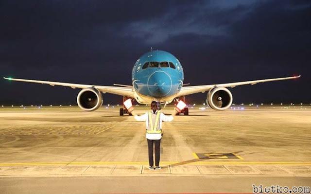 Máy bay Việt Nam ở sân bay Mỹ
