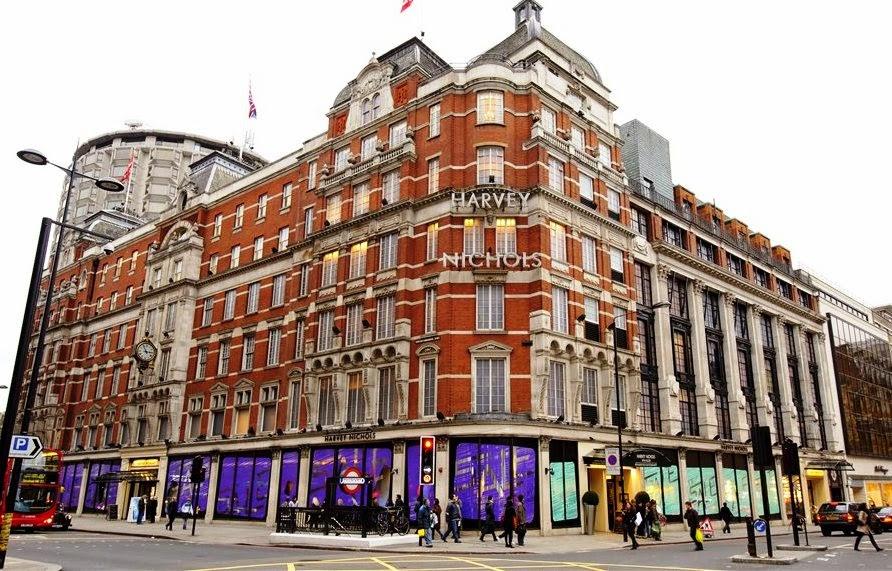 26d36e10a Loja de departamento Harvey Nichols em Londres