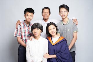 Sin Yee Graduation Portrait