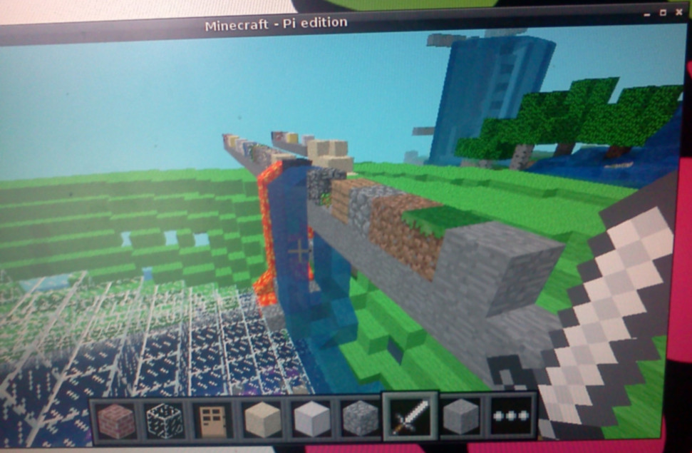 geektown-tech: Raspberry Pi Minecraft python api observations