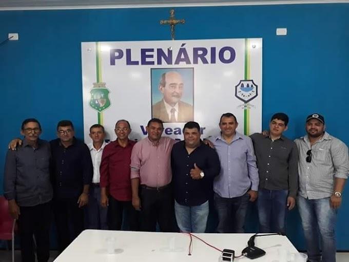Câmara afasta prefeito de Granjeiro