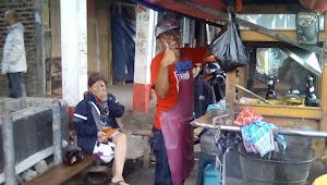 Curhatan Tukang Lontong Kari Yang Terkena Imbas Covid-19