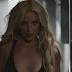 """Começaram os tiros! Britney Spears revela prévia da inédita """"Private Show"""", para a nova sua fragrância"""