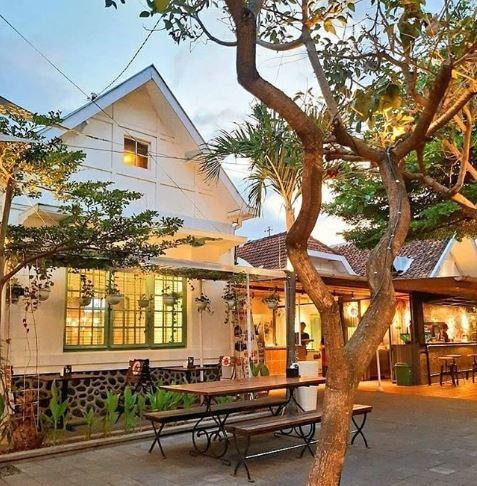 Legend Coffe - 3 Cafe Milineal Yang Asyik Buat Nongkrong Di Jogja