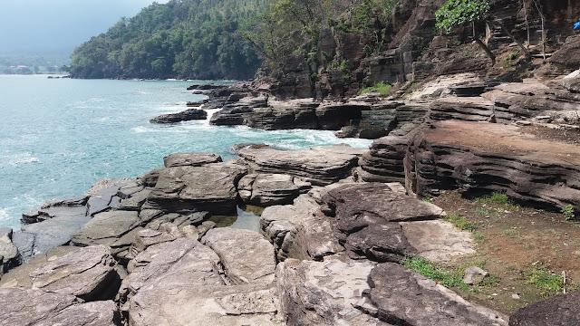 Mantapnya Pemandangan Di Pantai Batu Lapis Lampung, Silahkan Datang Dan Share..!!