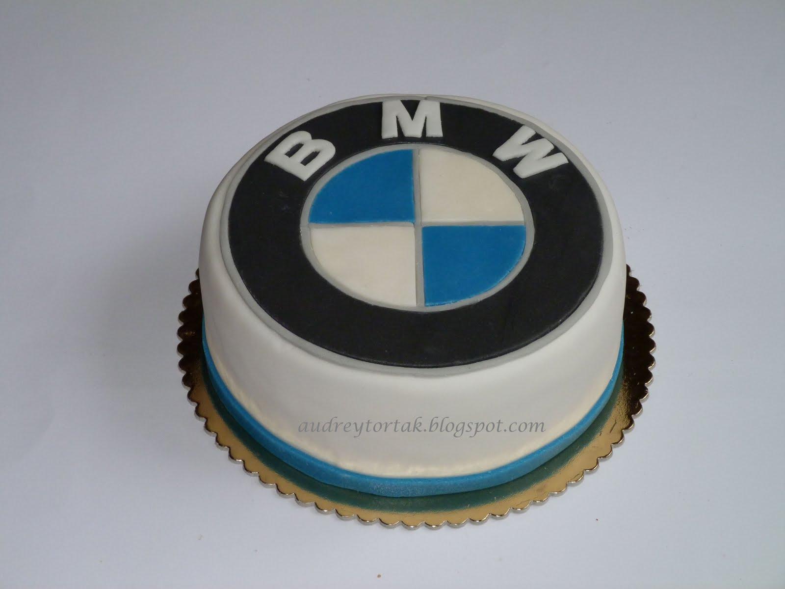 bmw torta képek Egy szelet tortát?: BMW jel torta bmw torta képek