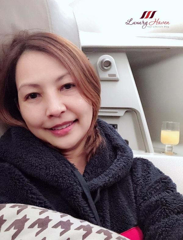 singapore travel blogger long haul flight skincare tips