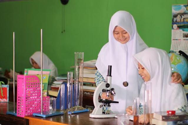 KPK Garap Eks Pejabat Kemenag untuk Kasus Rasuah Laboratorium Madrasah
