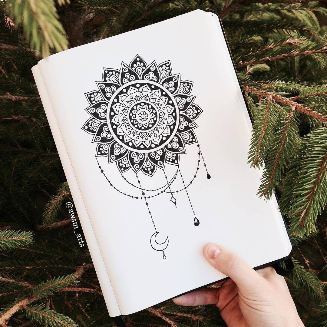 10-Moon-and-Jewels-Moleskine-Mandalas-Drawings-and-More-www-designstack-co