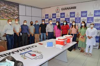 Profissional de Saúde da linha de frente do PA Covid é a primeira vacinada em Guanambi