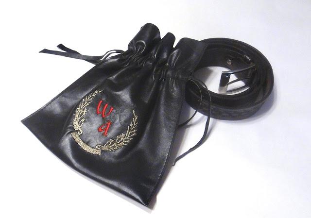 Кожаный чехол для ремня - подарок мужчине, персональный подарок, вышитые инициалы