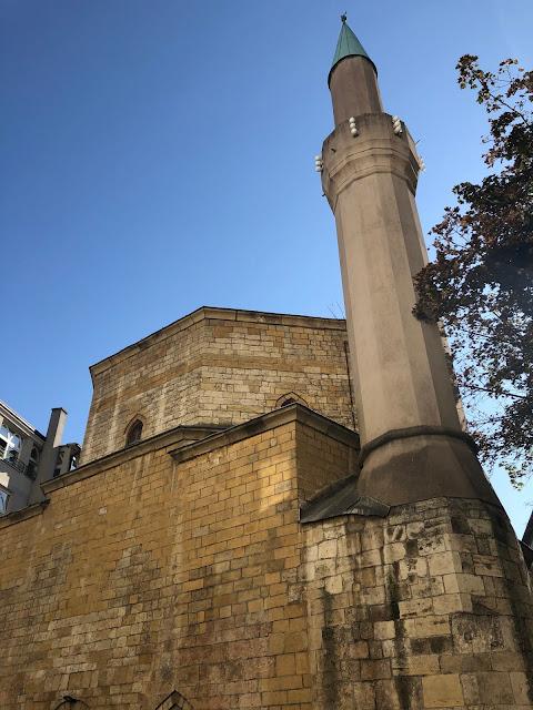 Dorçol'da Bayraklı Cami