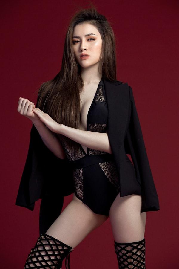 Hoa Hậu Thư Dung khoe đường cong nóng bỏng trước thềm chung kết Miss Eco International 2018 - Ảnh 4