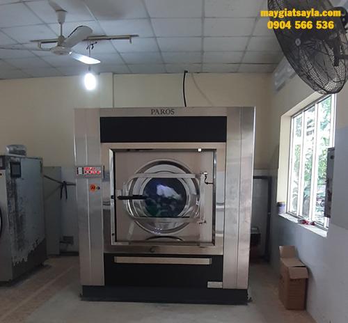 Sử dụng máy giặt công nghiệp đúng cách giúp máy bền hơn