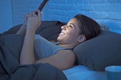 5 Benda yang Mesti Dijauhkan Sebelum Tidur