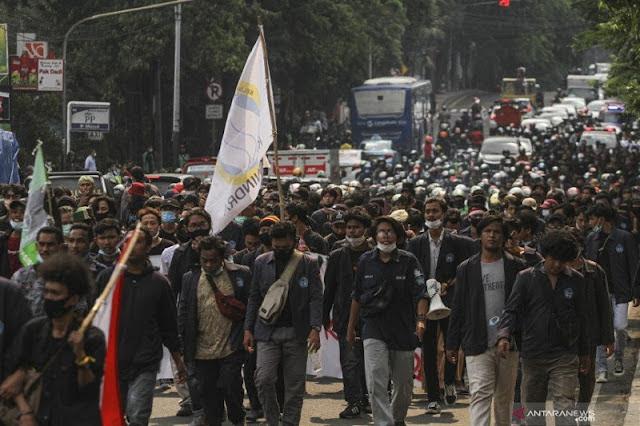 Setahun Jokowi-Ma'ruf, 50 Ribu Buruh di Banten Akan Serbu Istana