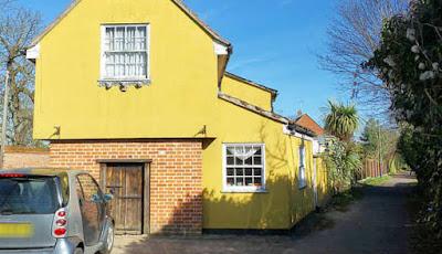 Gambar rumah paling berhantu di Inggris