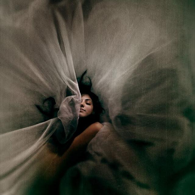 ---අවදි සිහින (Lucid Dreaming)---