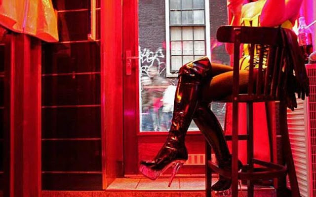 15 συλλήψεις για οικονομική και σεξουαλική εκμετάλλευσή γυναικών σε οίκους ανοχής