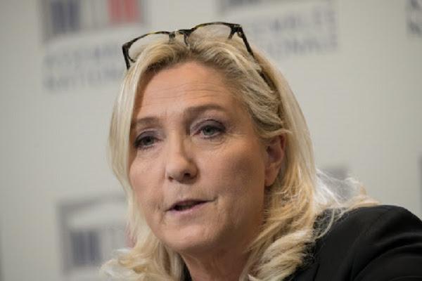 """Marine Le Pen dénonce """"un aveu d'impuissance"""" de Macron sur l'insécurité après sa visite à Montpellier"""