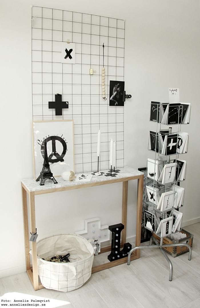 annelies design, webbutik, inredningsbutik, inredning, varberg, vykort, candle cross, eiffeltorn, svartvit, svartvita, svart och vitt, evighetskalender, kalender, detaljer, showroom, butik, nätbutik,