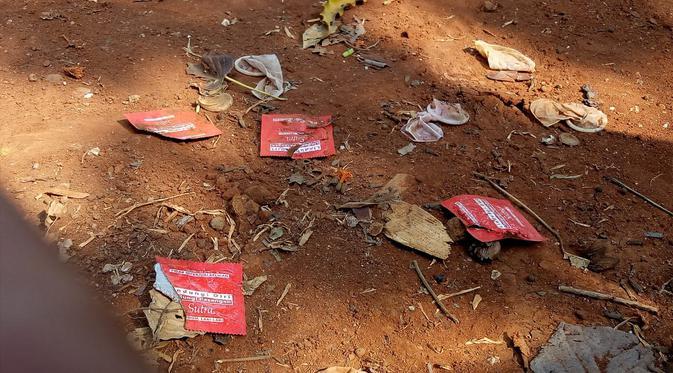 Kondom dan Tisu Magic Berserakan di Taman Kota Wijaya Kusuma Grogol