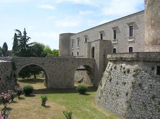 The Aragonese Castle in Venosa, built in 1470, which Gesualdo turned into a residence