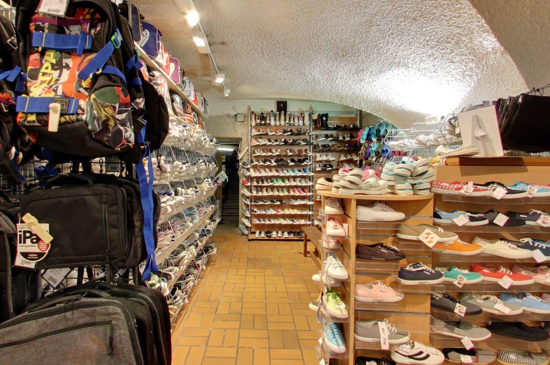 chaussures et sac à dos stocks bellecour