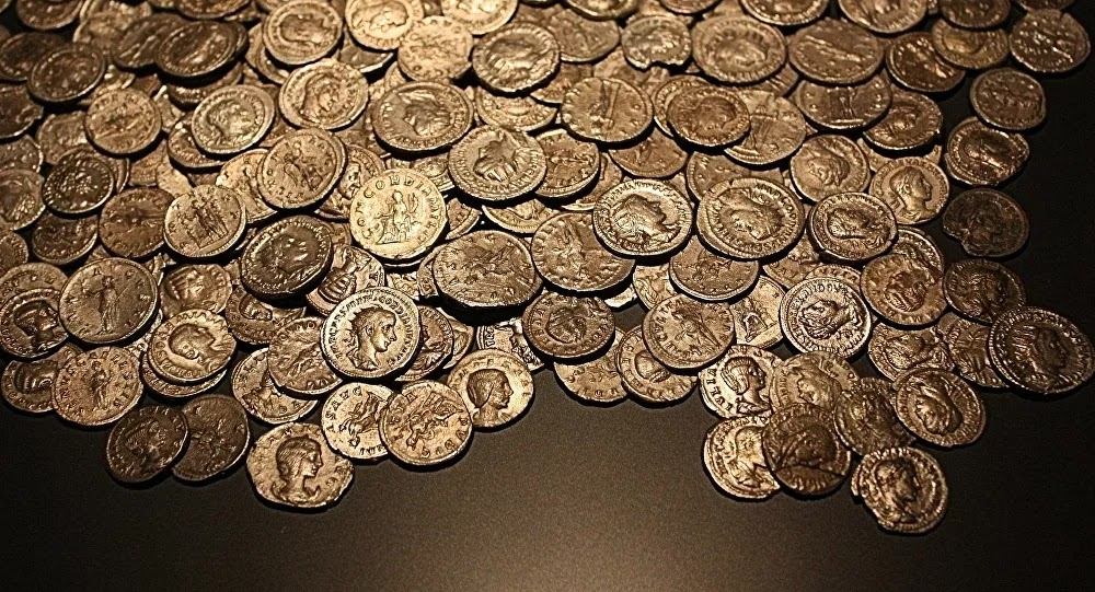 INSOLITE : Il pêche à l'aimant un trésor de 700 pièces de monnaie près de Rennes