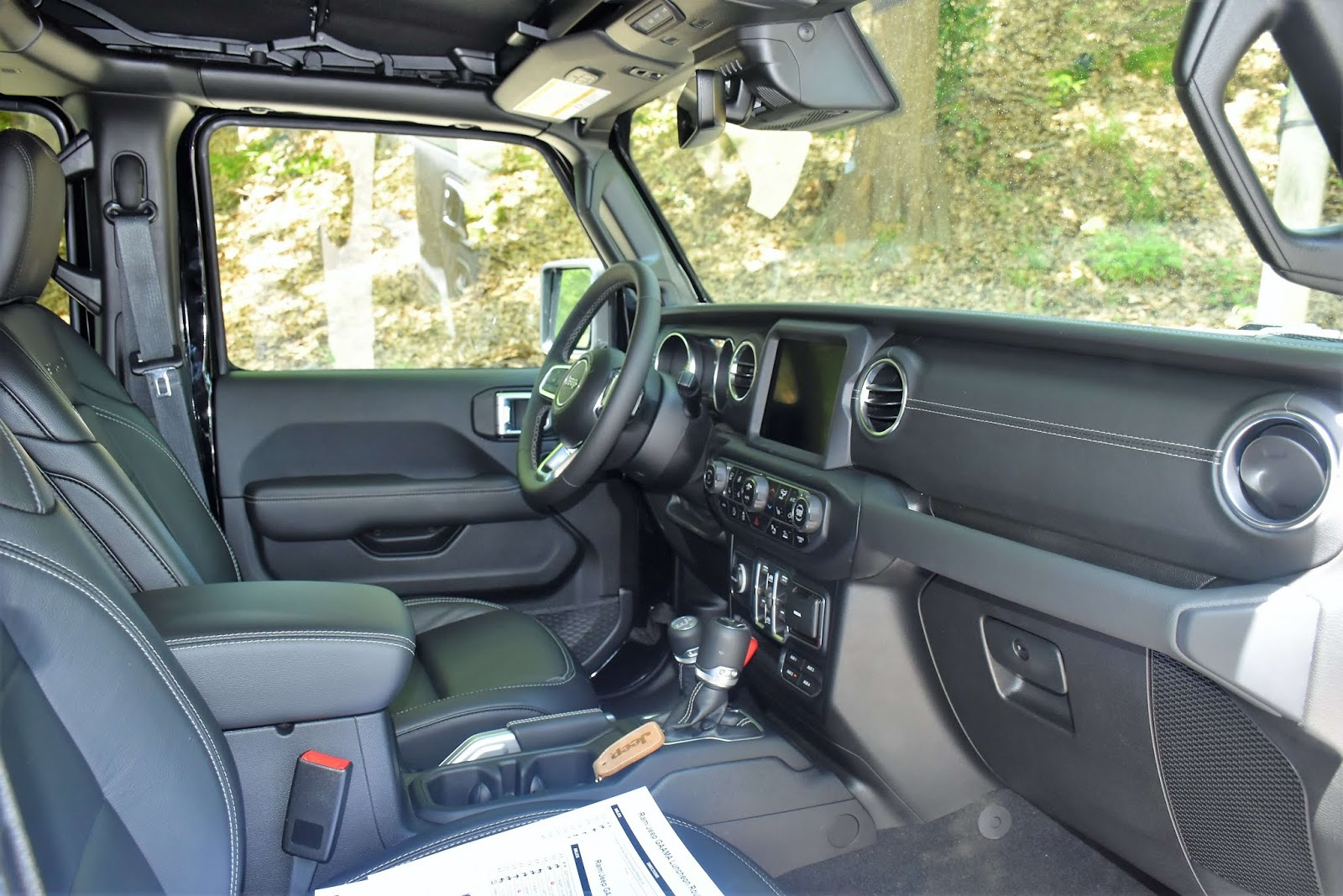 2020 Jeep Gladiator Truck Interior Black