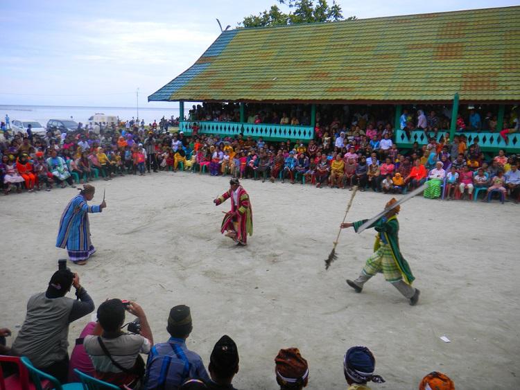 travelplusindonesia: Mengenal Lebih Dekat Pidoano Kuri, Pesta Adat ...