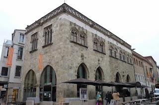 El Ayuntamiento de Perpiñán.