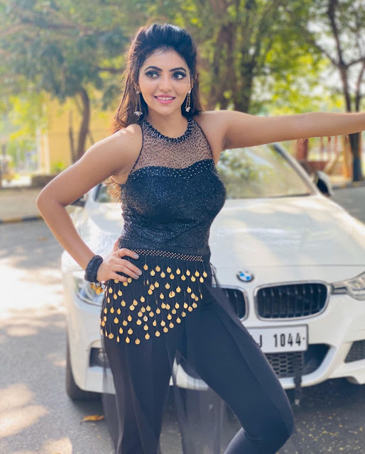 Athulya Ravi (Indian Actress) Wiki, Age, Height, Family, Career, Awards, and Many More...