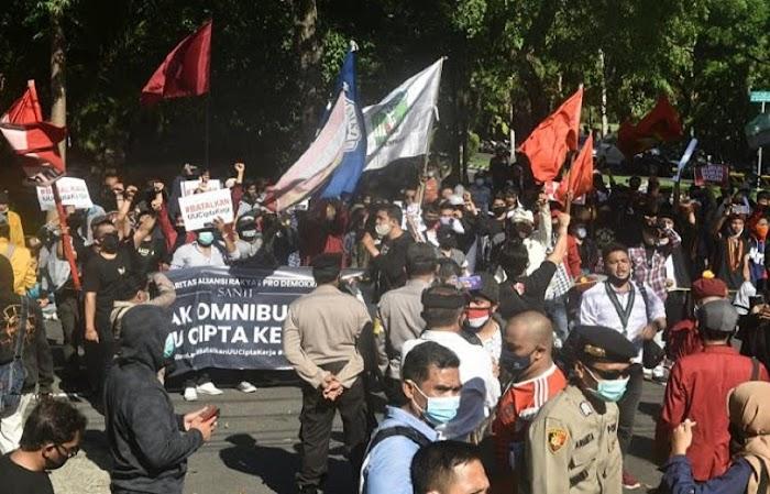 Puan Maharani ke Bali Disambut Demo Omnibus Law