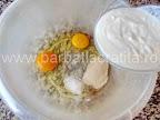 Saratele fragede cu untura mac preparare reteta - adaugam iaurtul