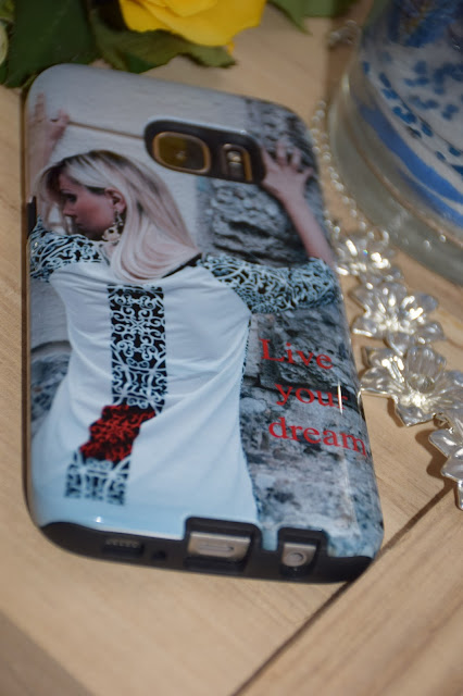 cover personalizzate gocustomized come personalizzare la cover del proprio cellulare idee regalo san valentino  mariafelicia magno fashion blogger colorblock by felym blogger italiane accessori donna profumo dior