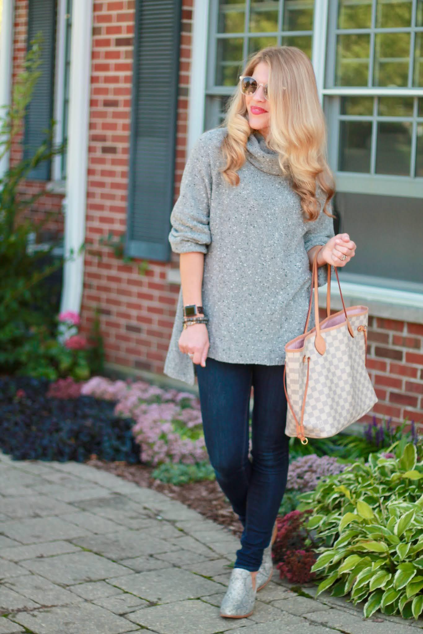 grey tunic sweater, express dark skinny jeans, LV azure neverfull, snakeskin booties